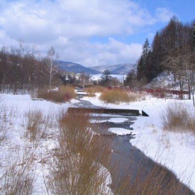 szczawnik zimą z widokiem na szczawnik